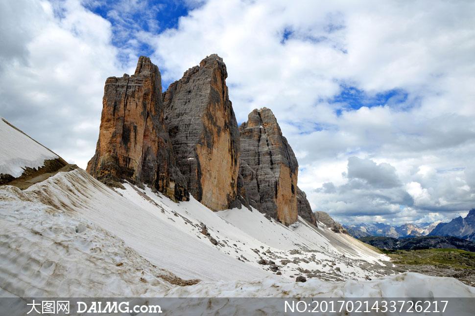 天空白云雪山自然风景摄影高清图片