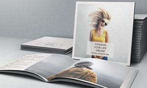 简约时尚的写真画册设计PSD素材
