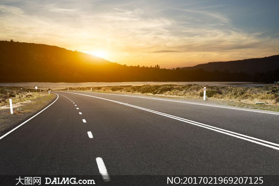 天空与公路等风景逆光摄影高清图片