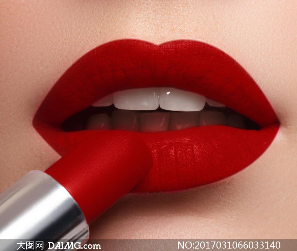 画红色唇妆的嘴唇特写摄影高清图片 - 大图网设计素材图片