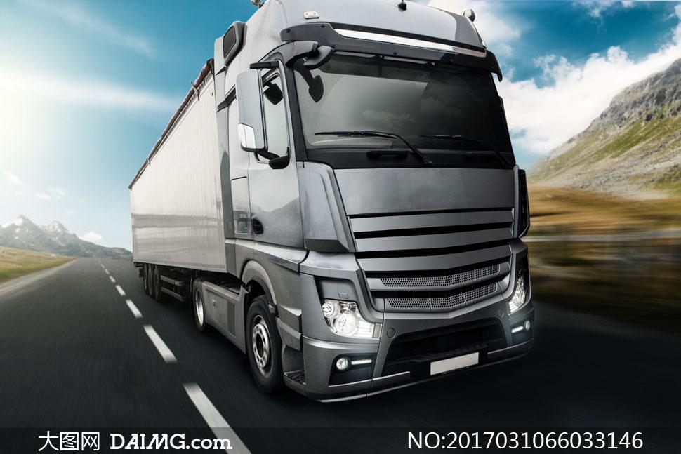 ps-道路_公路上的长途运输货车摄影高清图片_大图网图片素材