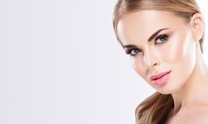 侧偏发型妆容美女人物摄影高清图片