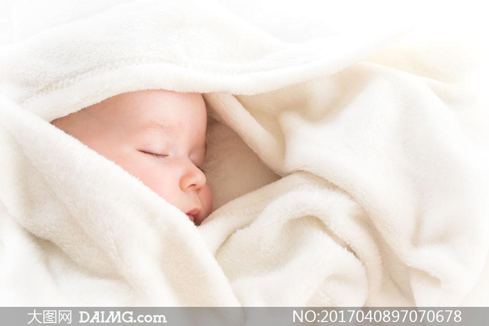 可爱小宝宝小宝贝近景特写微距婴儿睡着睡眠入睡睡觉