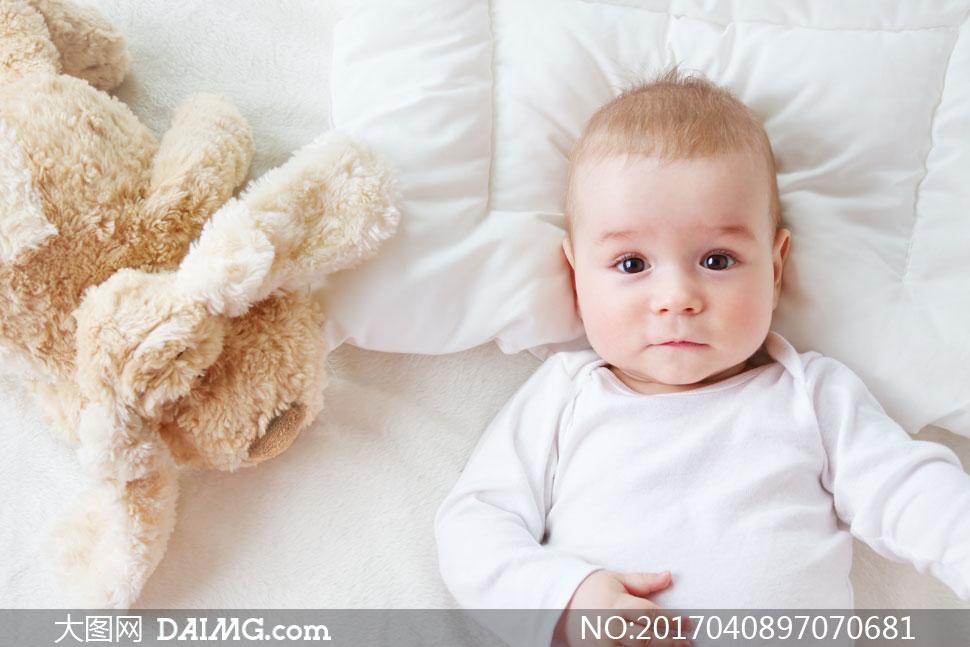 大图首页 高清图片 可爱宝宝 > 素材信息          蓝白条纹衣服可爱