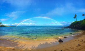 蓝天白云与海上的彩虹摄影高清图片