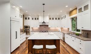 高档豪华配置厨房实景效果高清图片