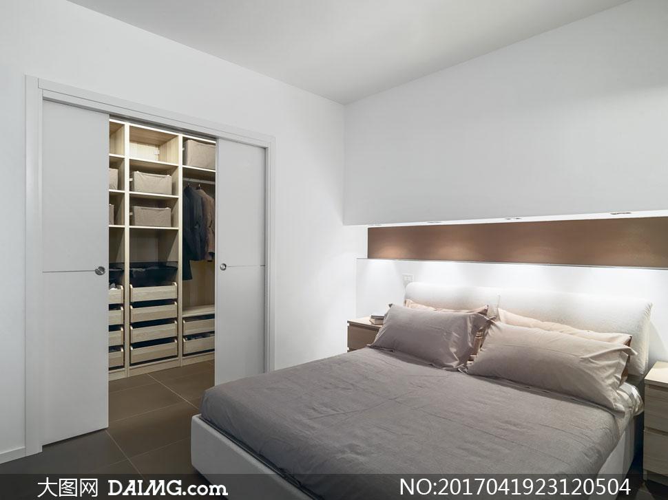 装修效果图装潢房间卧室卧房灯光照明大床双人床床头柜衣帽间衣柜橱柜