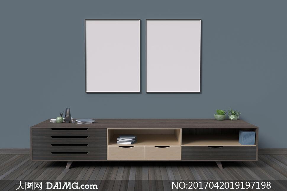 电视柜与墙上的两幅装饰画高清图片图片