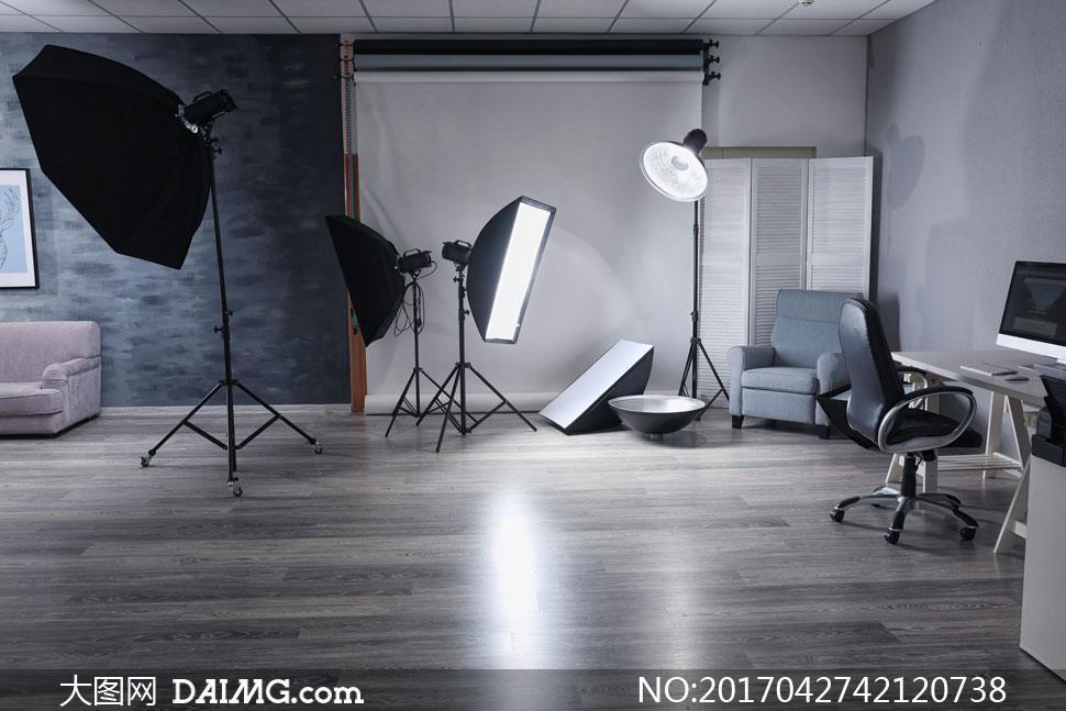 装修效果图装潢房间沙发摄影灯闪光灯柔光箱摄影棚装饰画挂画画框椅子