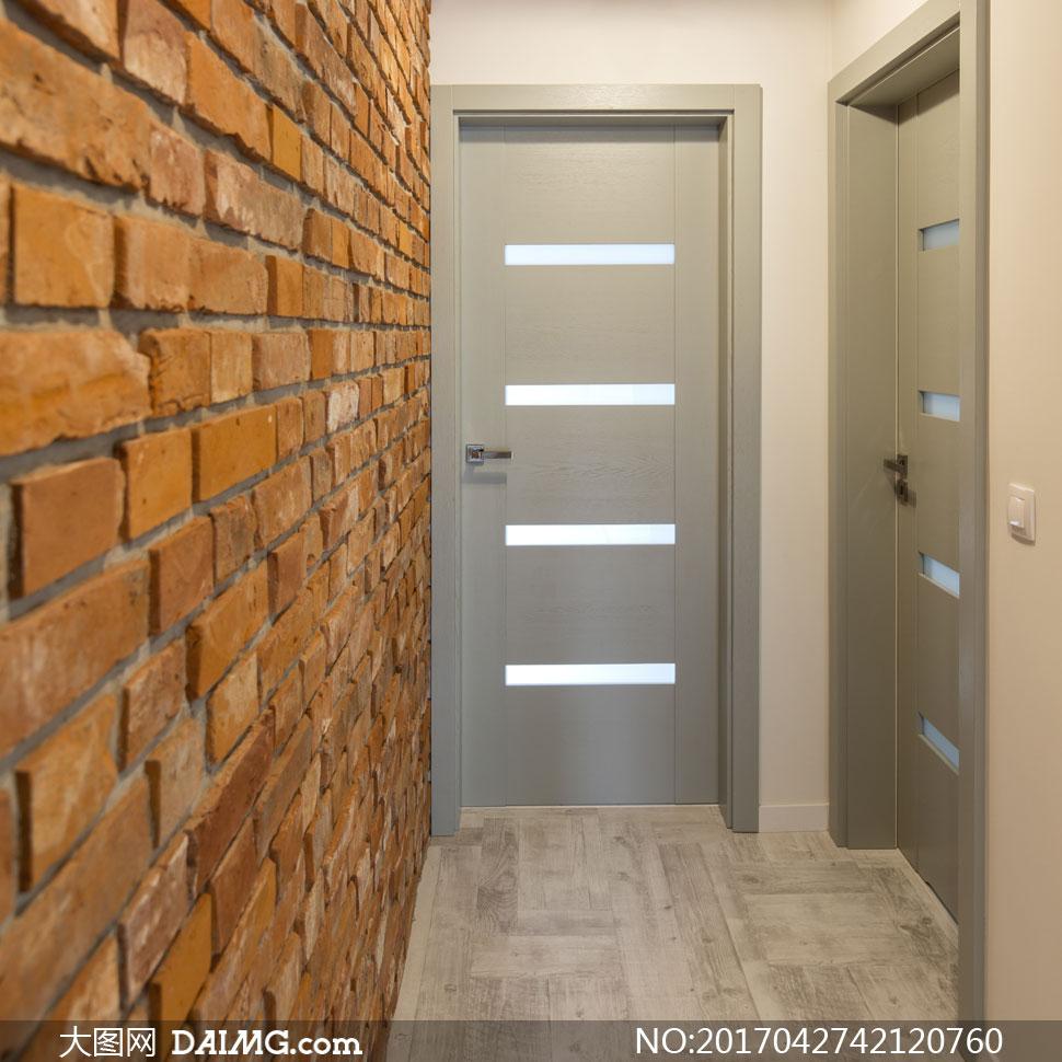 室内空间装饰家装渲染图家居家具装修效果图装潢房间房门砖墙木地板