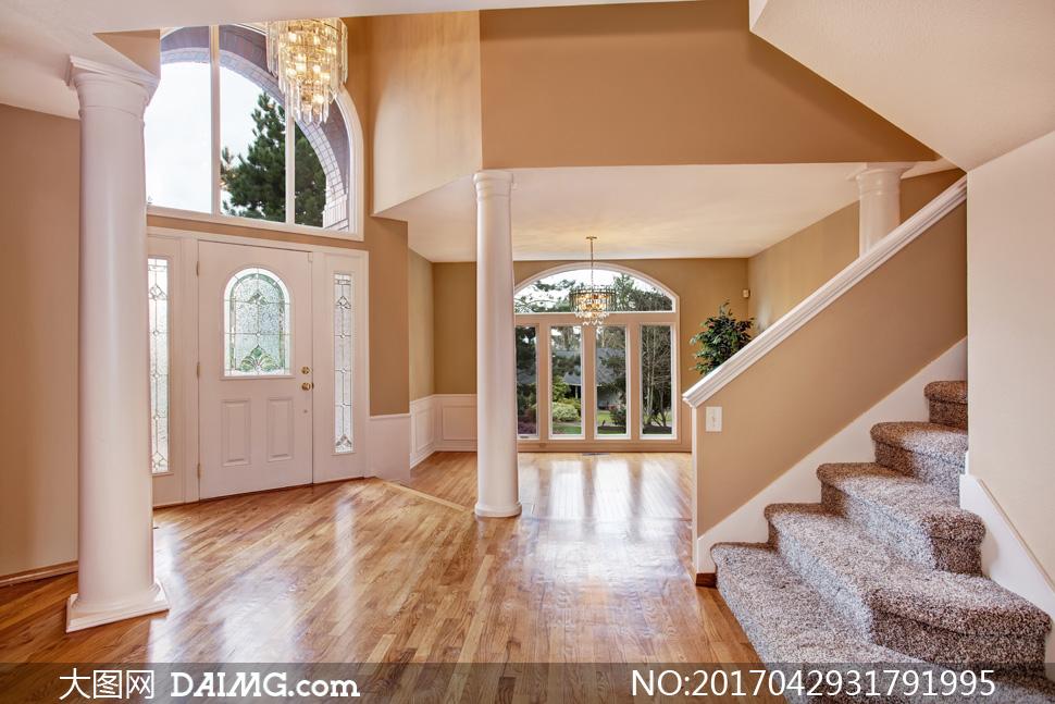 效果图装潢房间别墅房门欧式水晶灯吊灯廊柱柱子木地板楼梯台阶拱形门