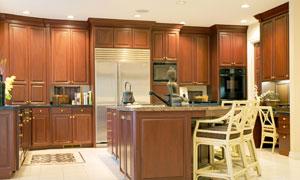 开放式厨房的照明效果摄影高清图片