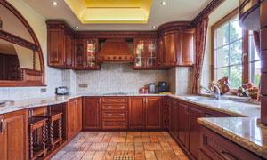 厨房深红色的橱柜展示效果高清图片