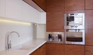 厨房水槽与内嵌式电器摄影高清图片