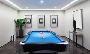 房间里的台球桌等陈设摄影高清图片