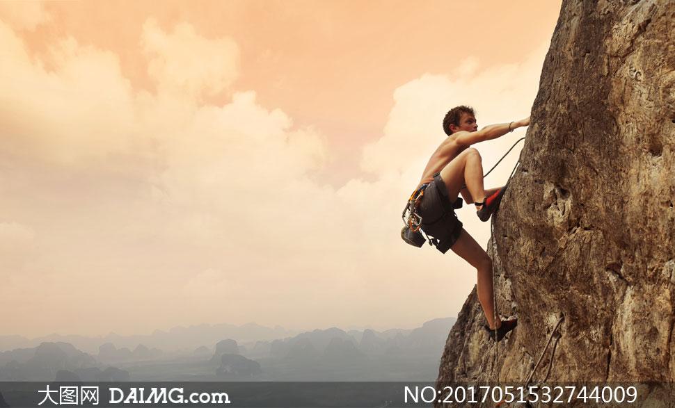 键 词: 高清大图图片素材摄影自然风景风光天空山峰攀岩极限运动人物
