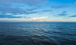 波澜不惊海面自然风光摄影高清图片