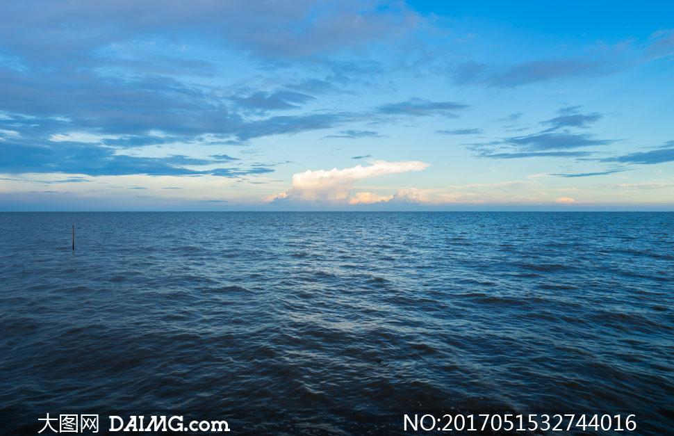 关 键 词: 高清大图图片素材摄影自然风景风光大海海景海面海水天空