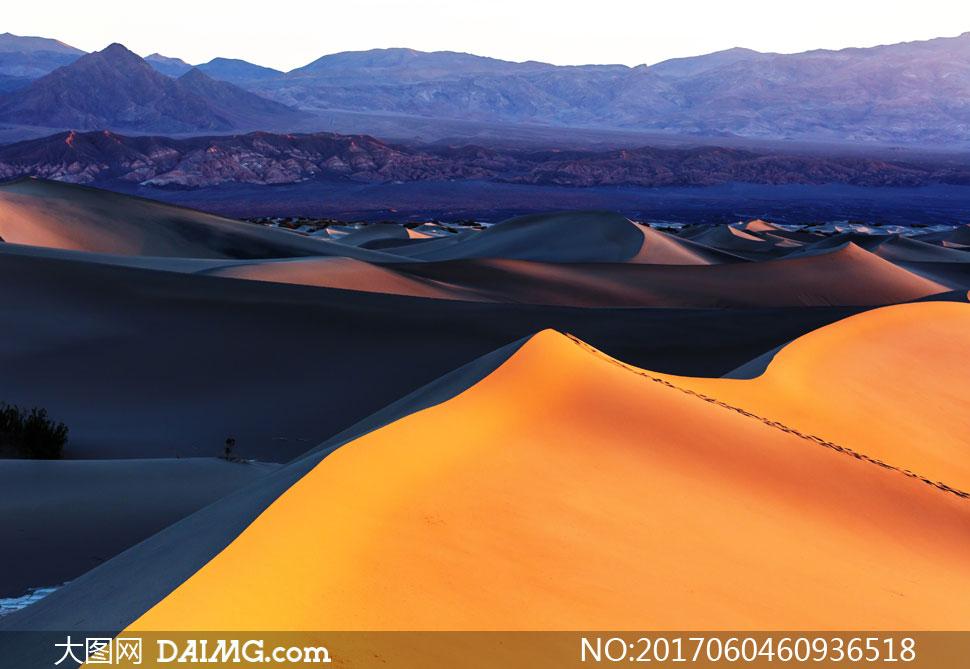 词: 高清大图图片素材摄影自然风景风光景观沙丘沙漠大漠荒漠黄昏傍晚