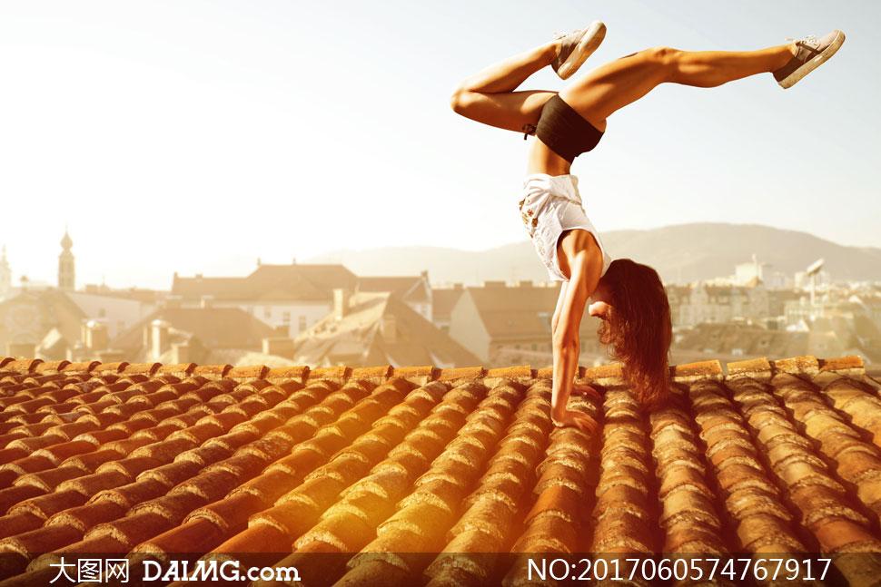 关 键 词: 高清大图图片素材摄影自然风景风光美女人物倒立健身锻炼