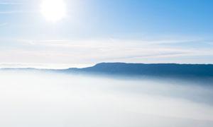 云海中的连绵群山风光摄影高清图片