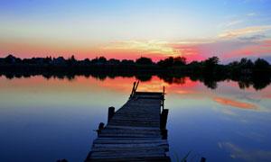 唯美的湖泊黄昏美景摄影图片