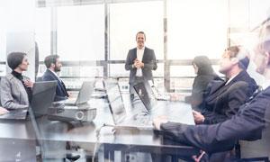 会议室开会的商务职场人物高清图片