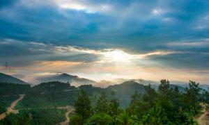 清晨山村外景风光摄影图片