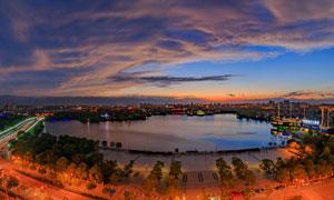 上海泰晤士小镇黄昏全景摄影图片