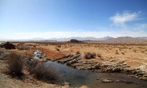 蓝天下的高原美景摄影图片