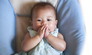 圓嘟嘟的可愛寶寶寫真攝影高清圖片