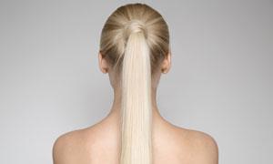 梳着马尾发的美女写真摄影高清图片