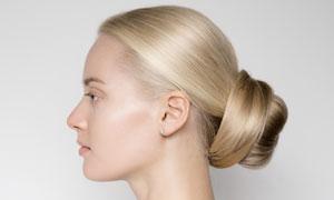 把头发盘了发髻的美女摄影高清图片