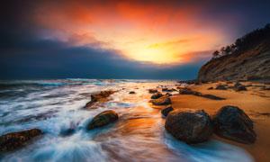 大海风光与天边的瑰丽云彩高清图片