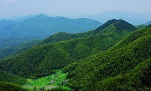 连绵大山和山林摄影图片
