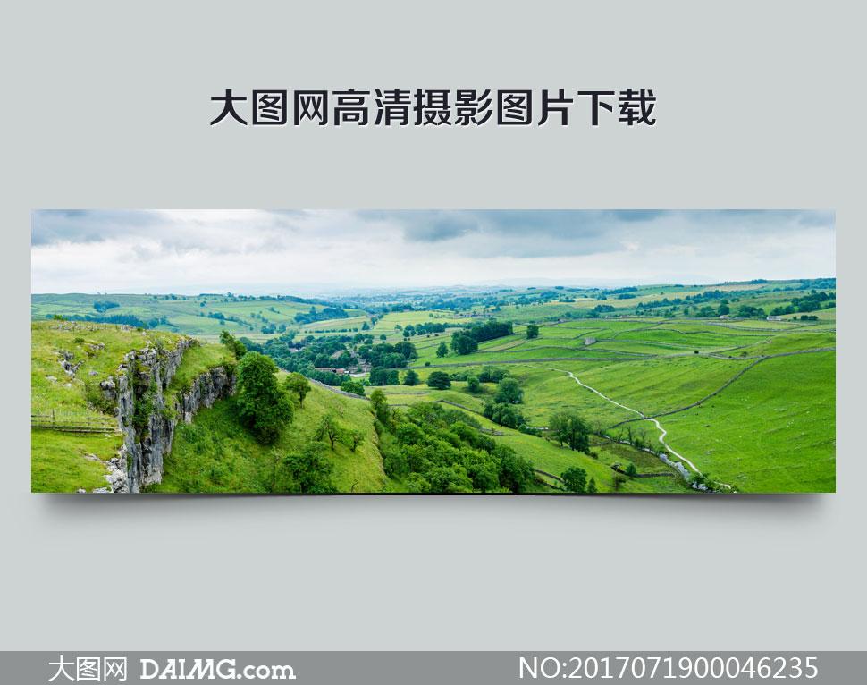 美丽草原全景摄影图片