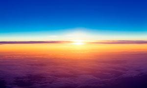 空中美丽云海日落美景摄影图片