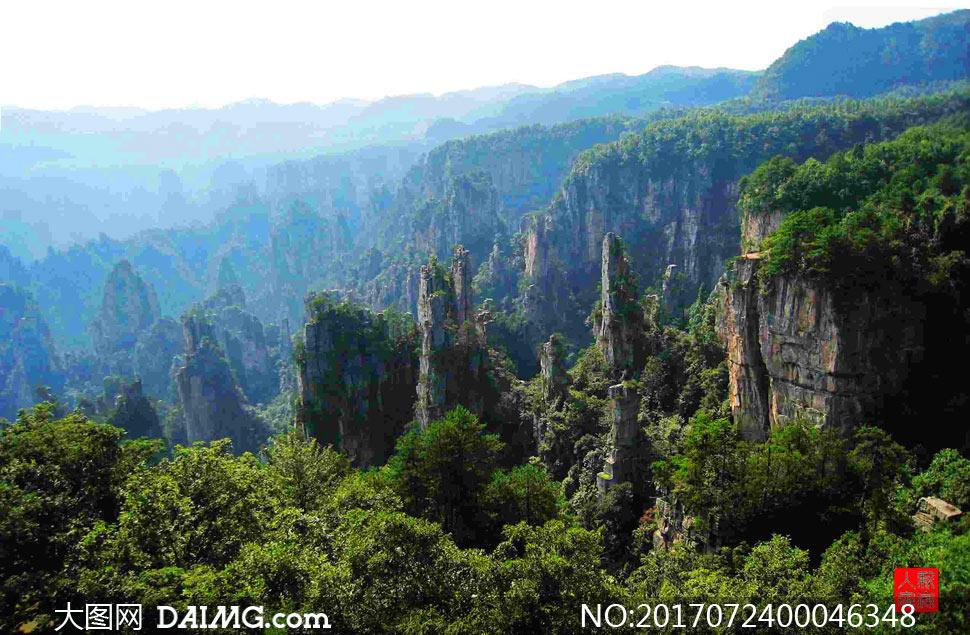 张家界美丽山峰摄影图片