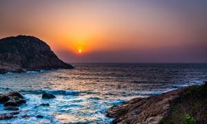 海上美丽的日落景色摄影图片