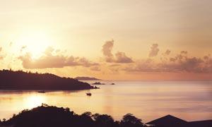 海边美丽的落日余晖摄影图片