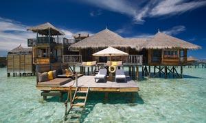 马尔代夫海上度假村摄影图片