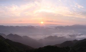 八台山山顶美丽日出景观摄影图片