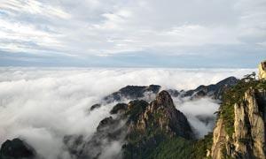 黄山山顶美丽云雾摄影图片