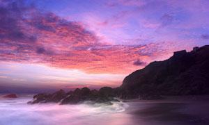 夕阳下美丽的海岛风景摄影图片