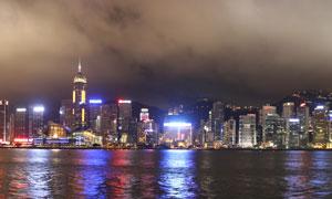 维多利亚港城市建筑物夜景高清图片