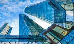 蓝天白云城市摩天大楼摄影高清图片