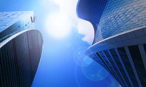 创意外形高楼大厦逆光摄影高清图片