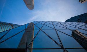 城市摩天大楼仰视视角摄影高清图片