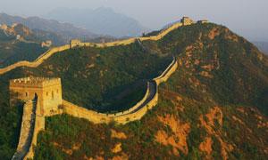 崇山峻岭间的长城风光摄影高清图片