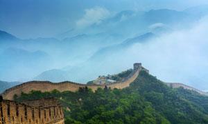 长城与巍峨的高山风光摄影高清图片
